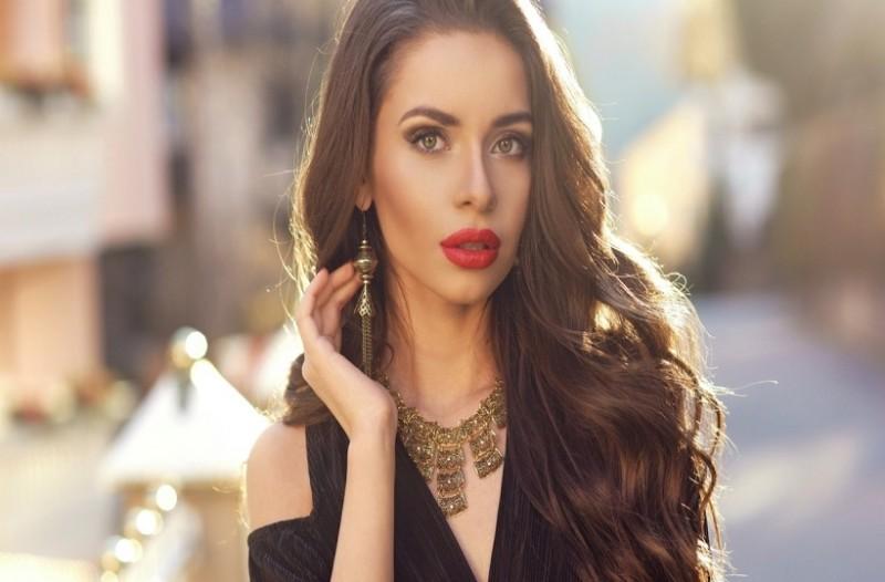 5 Τρόποι για να δημιουργήσετε τέλεια κυματιστά μαλλιά!