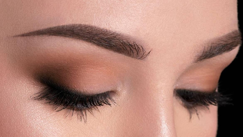 Μακιγιάζ για μεγαλύτερα μάτια: Έξυπνα tips για να το πετύχετε